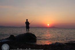 Береговая рыбалка в Греции