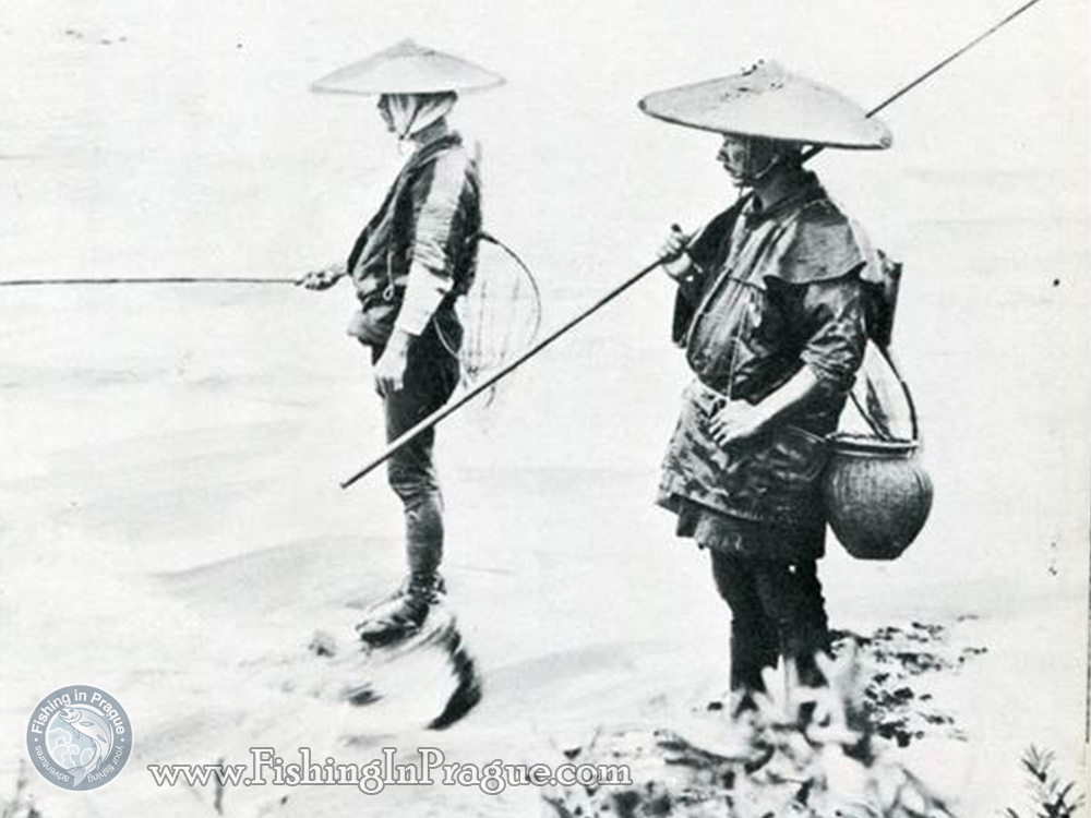 Japanese anglers with tenkara from early 20th century